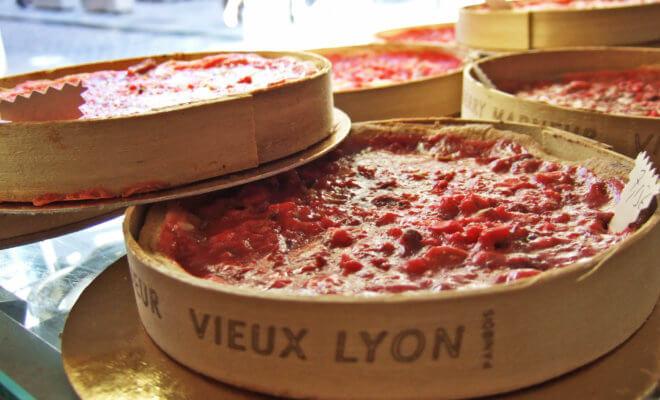 赤いプラリネのタルト Tarte aux pralines rouges
