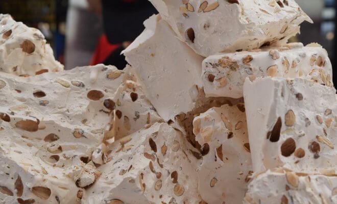 Nougat ヌガー - プロヴァンスへの入口モンテリマールの銘菓
